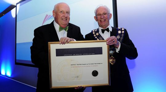 dennis_yeoman_and_john_bird_harold_fern_award_2015_810_540_301_80_s_c1